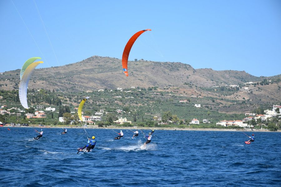 Ο 1ος Επίσημος Αγώνας Αετοσανίδας (Kiteboarding) στην Ελλάδα είναι γεγονός